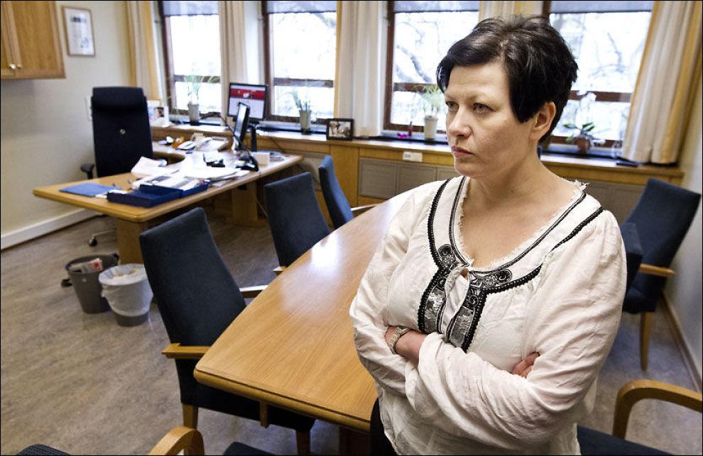 FORSVARER KOLBERG: Arbeiderpartiets parlamentariske leder Helga Pedersen tar sin nestleder på Stortinget, Martin Kolberg i forsvar. Foto: FRODE HANSEN
