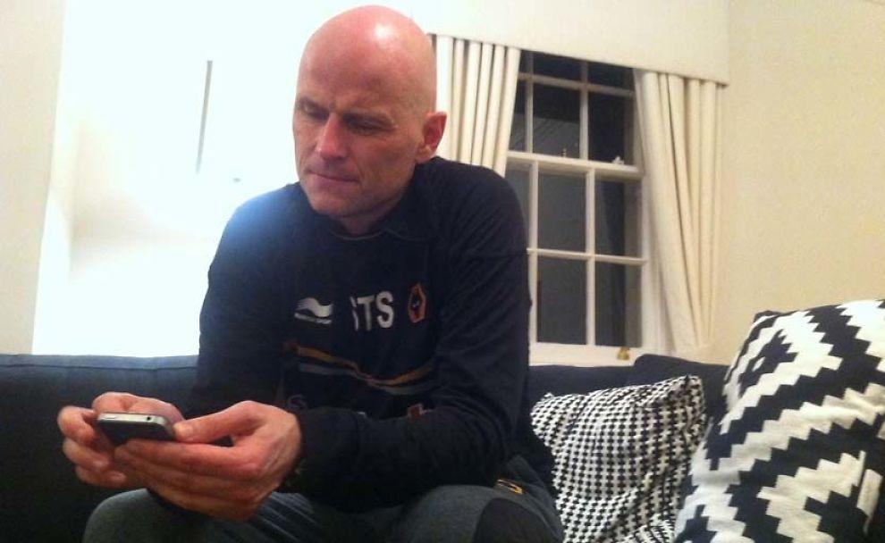 SPARKET: Her har Ståle Solbakken akkurat fått beskjed om at han har fått sparken i Wolverhampton. - Jeg er lei meg, sier han til VG. Foto: Fredrik Solstad/VG