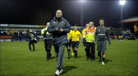 YDMYKET: Ståle Solbakkens siste kamp som Wolves-manager endte med et ydmykende tap mot Luton på Kenilworth Road i FA-cupen. Foto: Jon Buckle/PA Photos