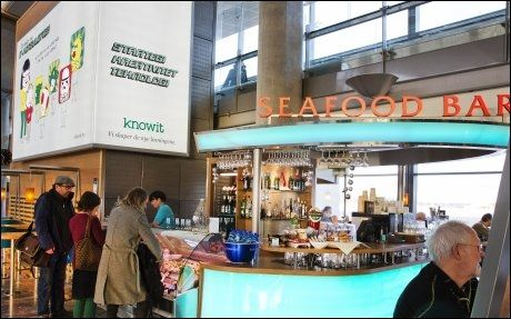 NOK ALLEREDE: - Det er allerede mye reklame på Gardermoen - innendørs, poengterer president Kim Skaara i Norske arkitekters landsforbund (NAL). Foto: Magnar Kirknes