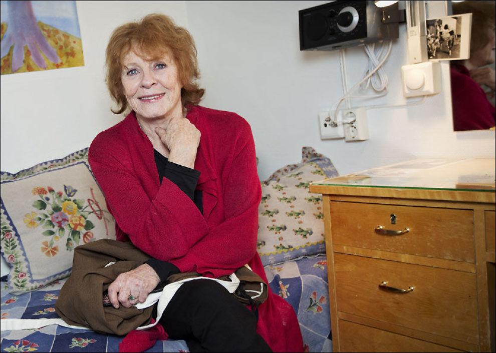 SKUESPILLEREN: Kari Simonsen har drevet med teater i store deler av sitt liv, men tok aldri moren med bak scenen. - Det burde jeg kanskje ha gjort. Foto: JØRGEN BRAASTAD/ VG