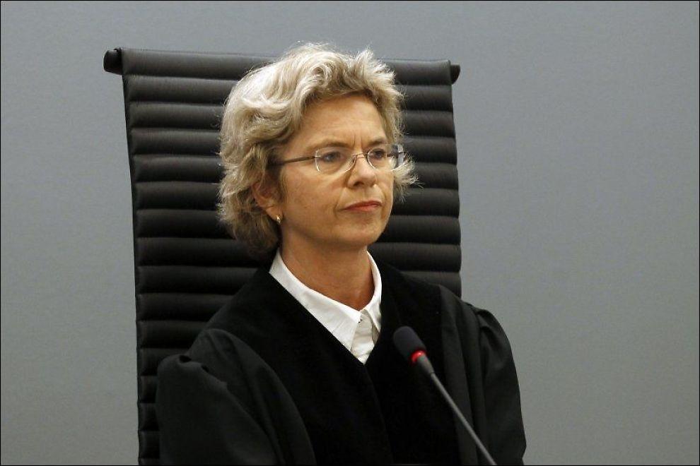 BESTEMT: Wenche Elizabeth Arntzen ledet rettssaken mot Andres Behring Breivik i Oslo tingrett. Foto: Reuters