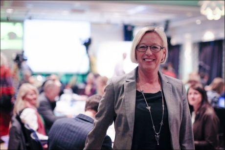 ÅPNER: Treindustrien i Norge sliter. Nå åpner samferdselsminister Marit Arnstad for at hvert vogntog kan frakte større lass. Her er Arnstad fotografert fra Senterpartiets landsmøtesal. Foto: Alf Vidar Snæland