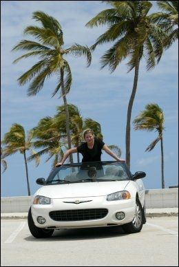 POPULÆRT: Dette er Florida. Feite biler med soltak, vind i håret og palmer. Foto: Thomas Nilsson