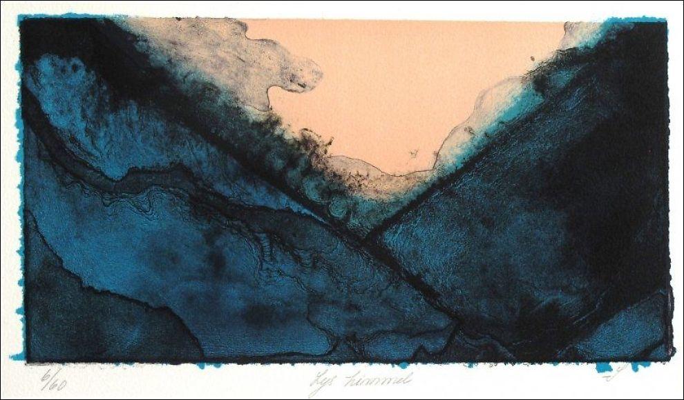 """LITOGRAFI. VGs anmelder mener bildet """"Lys himmel"""" er blant kunstneren Sonjas beste bilder på utstillingen. Foto: LARS ELTON"""