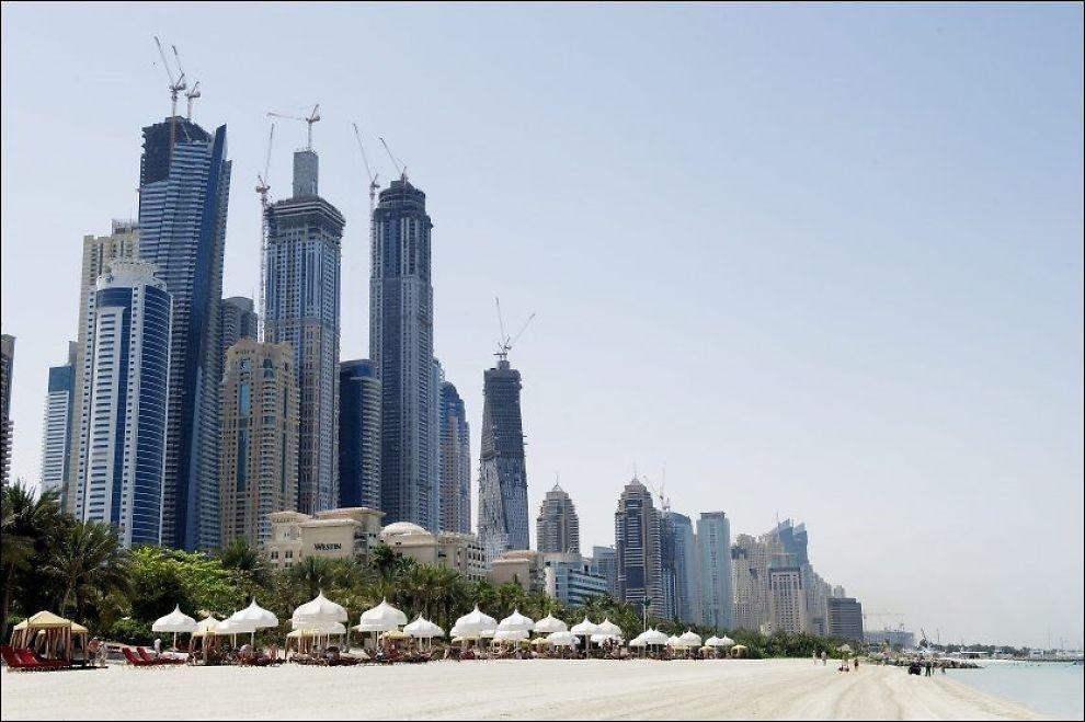 DUBAI: Dubais skyskrapere sett fra strandlinjen. Foto: GØRAN BOHLIN