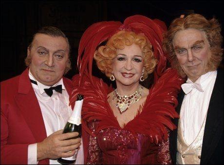 KOLLEGAER: Legendene Rolv Wesenlund, Wenche Foss og Toralv Maurstad var samlet for å spille «Hello Dolly» i 1990. Foto: Bjørn Aslaksen/VG