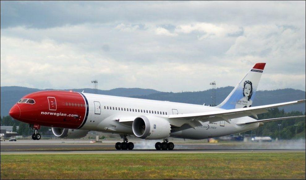 SENT UTE: Norwegian sliter enormt med å holde rutetidene på sine langdistanseruter. Her lander en Boeing 787 Dreamliner på Gardermoen. Foto: Jan Ovind