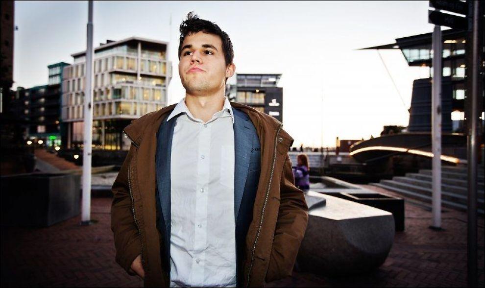 KLAR FOR KAMP: En drøy måned gjenstår til tittelkampen mot Viswanathan Anand, og Magnus Carlsen føler at han er fit for fight. Foto: Jørgen Braastad