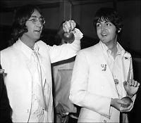 Paul McCartney benekter at John Lennon slo ham ned