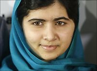 Malala(16) gratulerer nobelprisvinneren
