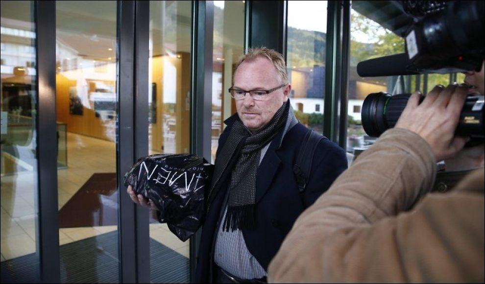FERDIG: Avtroppende Frp-nestleder Per Sandberg fotografert på vei inn under siste dag av regjeringsforhandlingene på Sundvolden hotel. Foto: NTB scanpix