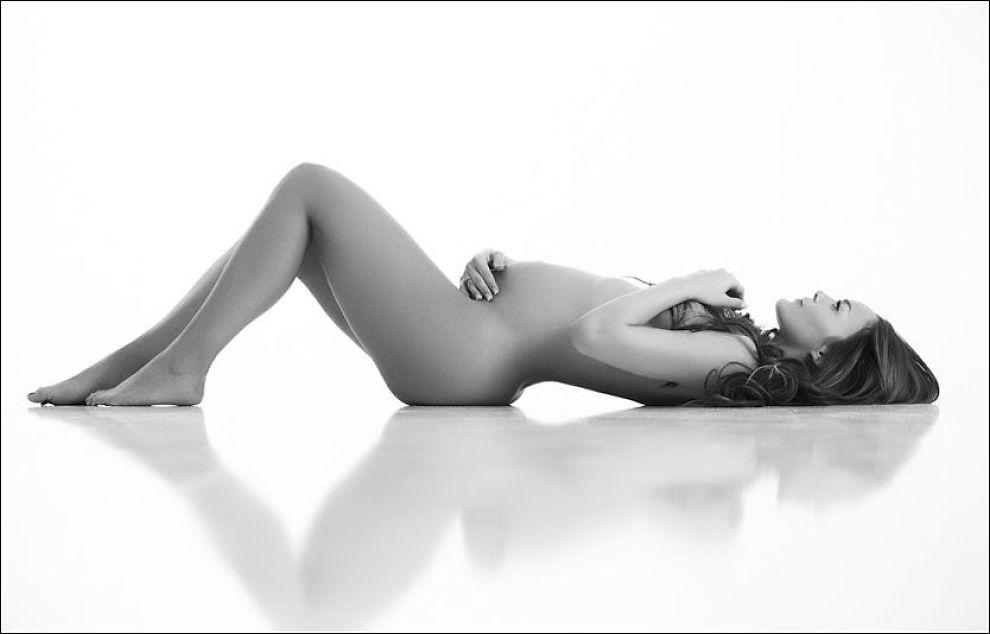 naken bilder smerter nederst i magen gravid