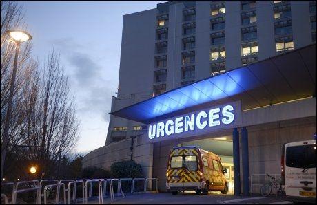 SYKEHUSET: Michael Schumacher ble fløyet fra sykehuset i Albertville til Grenoble da legene så skadene han hadde pådratt seg i Méribel. Foto: Philippe Desmazes, AFP