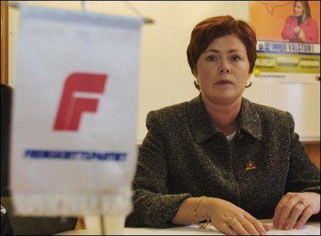 VALGT INN SOM KVINNE: Solveig Horne ble valgt inn i kommunestyret i Sola i 1995. Da dette bildet ble tatt i 2001, var hun leder av Rogaland Frp. Foto: NTB/SCANPIX