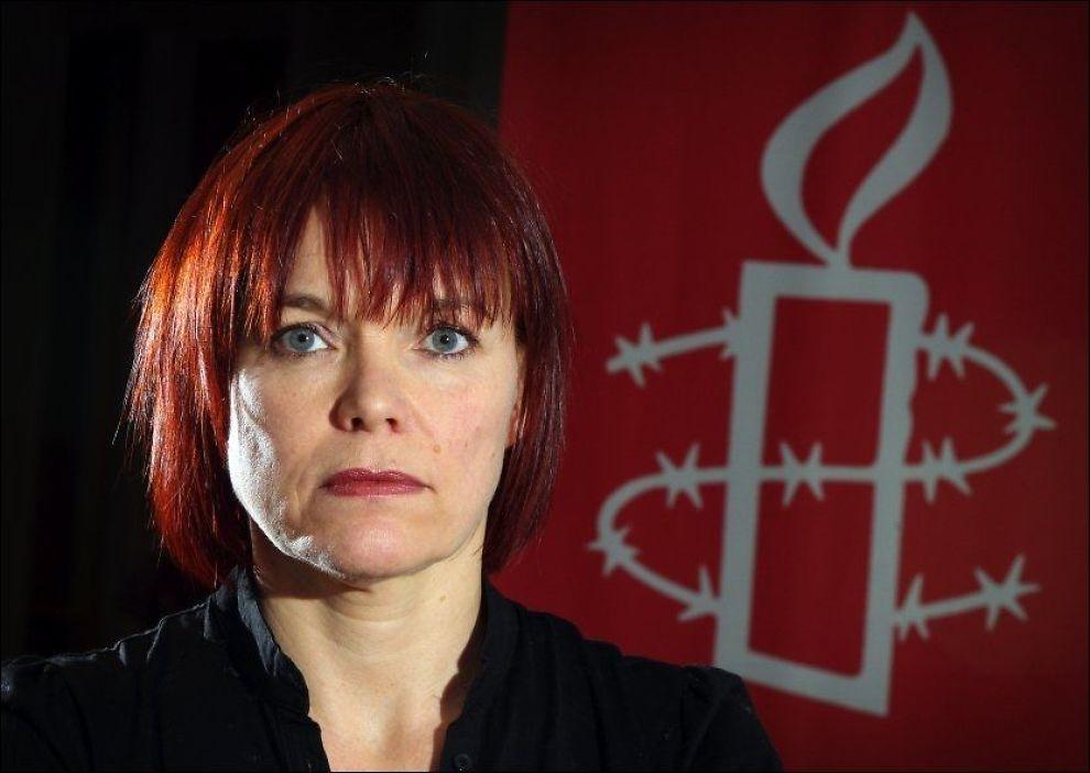 RETTER KRITIKK: Politisk rådgiver Patricia Kaatee i Amnestmener Norge bryter med flere grunnleggende rettigheter når det gjelder behandlingen av transpersoner. Foto: Frode Hansen