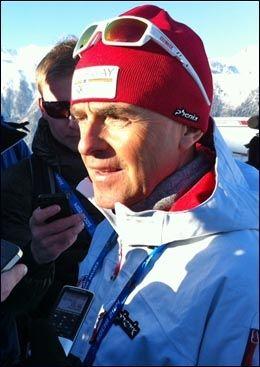 MÅTTE SVARE FOR SEG: Sprinttrener Arild Monsen i Sotsji i dag. Foto: Ole Kristian Strøm, VG