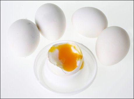 MYTE: Inntaket av egg bør begrenses, fordi det gir høyt kolestrol. Foto: Mattis Sandblad.