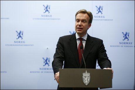 ORIENTERTE: Utenriksminister Børge Brende møtte pressen i ettermiddag. Foto: Erlend Aas, NTB scanpix