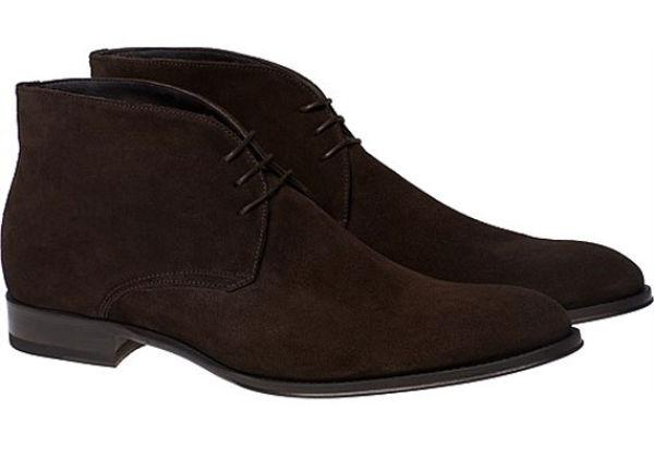 BOOTS TIL JEANS: SuitSupplys brune boots i semsket skinn hos Suitsupply.com, 1650 kr. Foto: Produsenten
