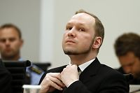 Breivik vurderer gå til sak mot isolasjon i fengselet