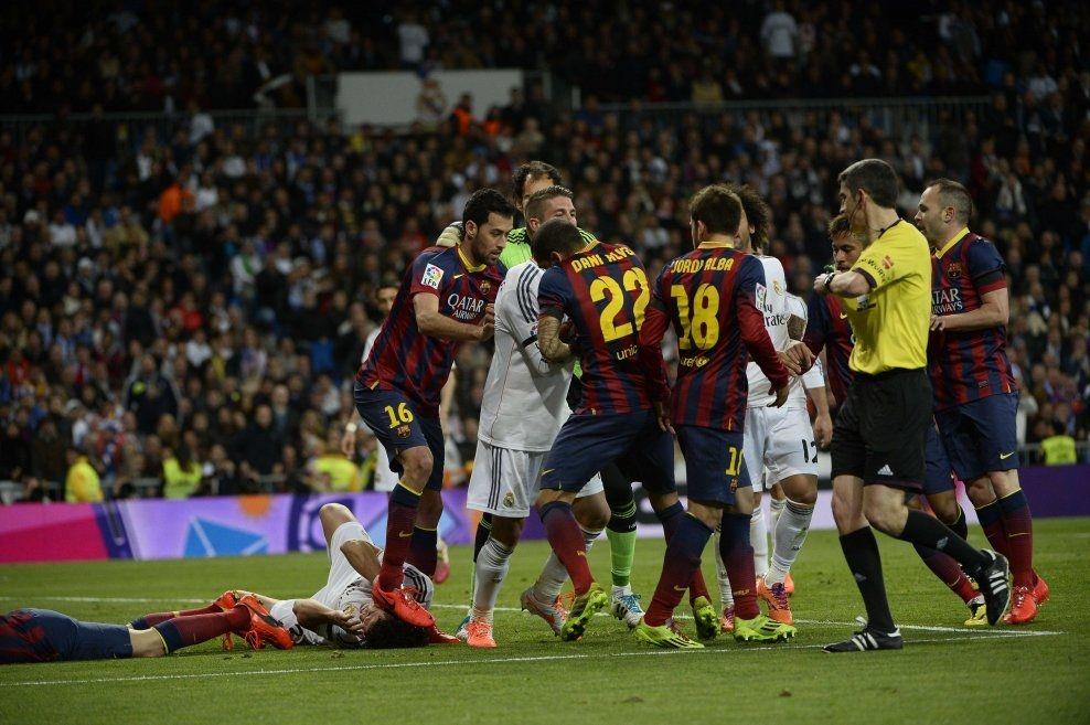 sport fotball spansk fotball casillas skal gi busquets en fik a