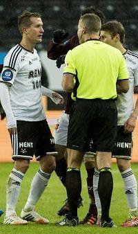 Dommer Moen: - Gamst Pedersen skulle hatt rødt kort