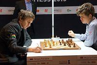Carlsen rotet bort seieren mot Karjakin