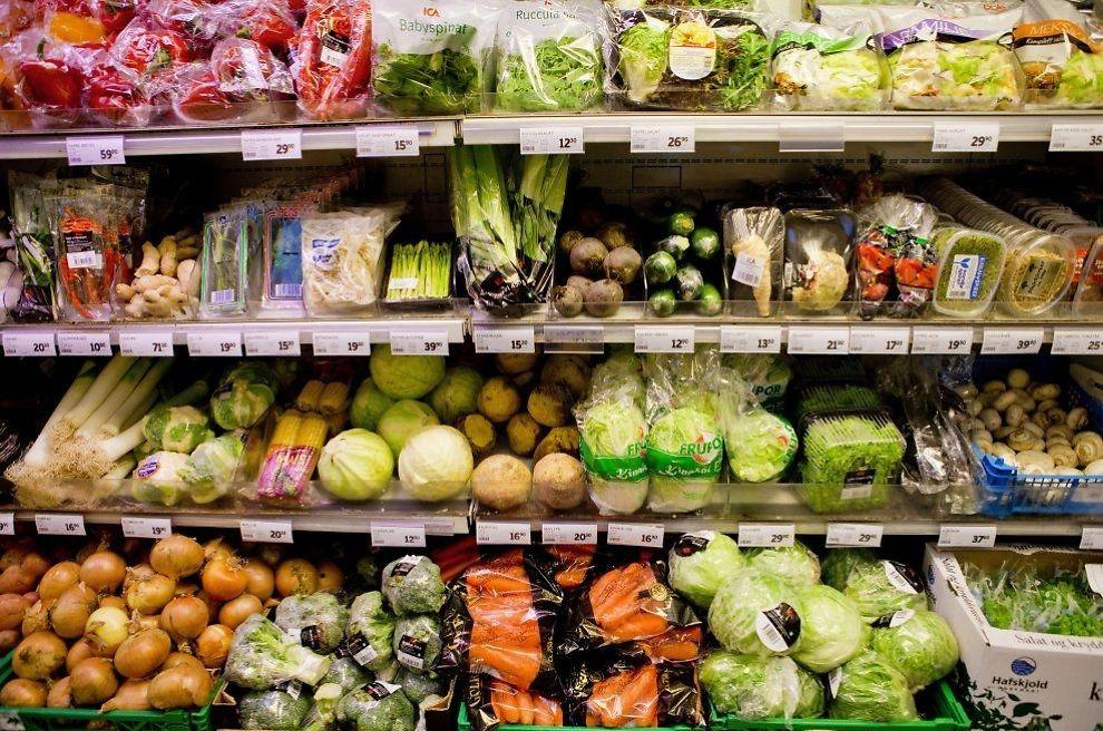 MAT FOR STREVET: I Norge trenger vi kun å jobbe 1 time og 48 minutter for å ha råd til mat i en uke. I Østerrike må du holde på i 3 timer og 39 minutter for å ha råd til den samme matkurven. FOTO: TORE MEEK, SCANPIX