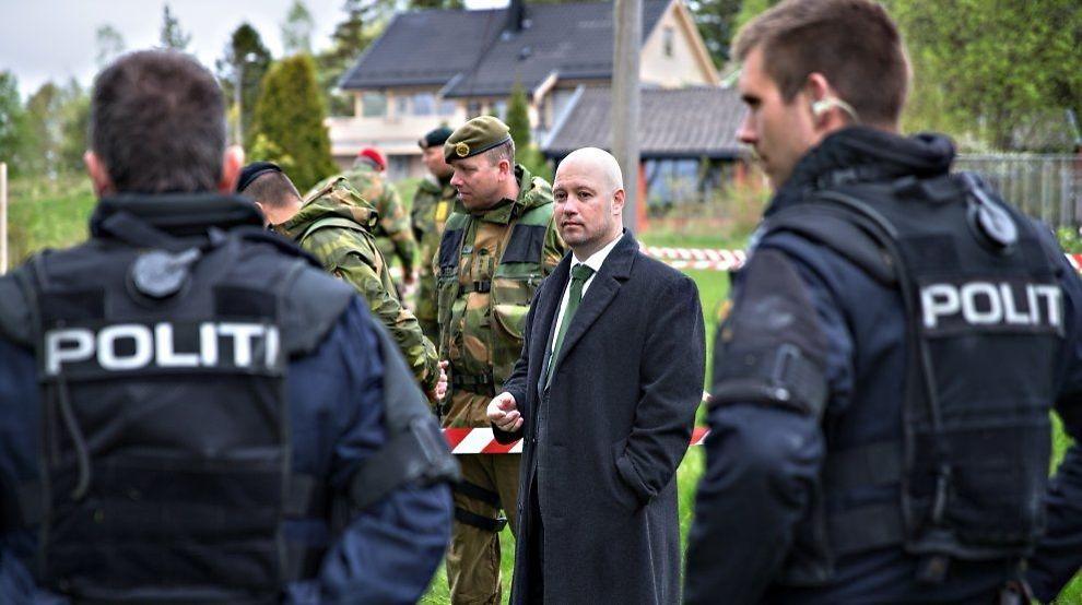 AKTIV: Anders Anundsen, her under en HV-øvelse i Sarpsborg denne uken, er klar for å effektivisere domstolsbehandlingen. Foto: Gisle Oddstad, VG
