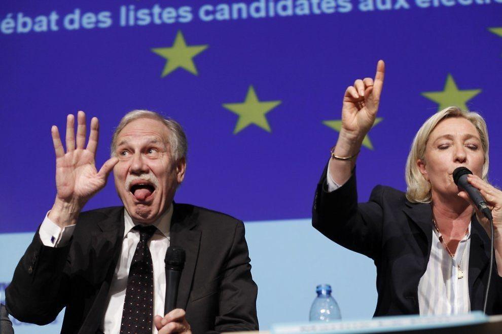 FRANSK SIRKUS: Det EU-kritiske ytre-høyrepartiet Nasjonal front, her representert blant andre ved leder Marine Le Pen (t.h.), vant EU-valget i Frankrike og får stor representasjon i det nye Europaparlamentet. FOTO: KRISTOFFER SANDBERG/VG