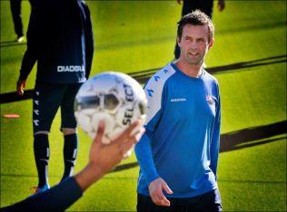 <p>PRESENTERES I ETTERMIDDAG: Ronny Deila blir ny Celtic-manager, som spådd de siste dagene. Her på Strømsgodset-trening i fjor høst.<br/></p>