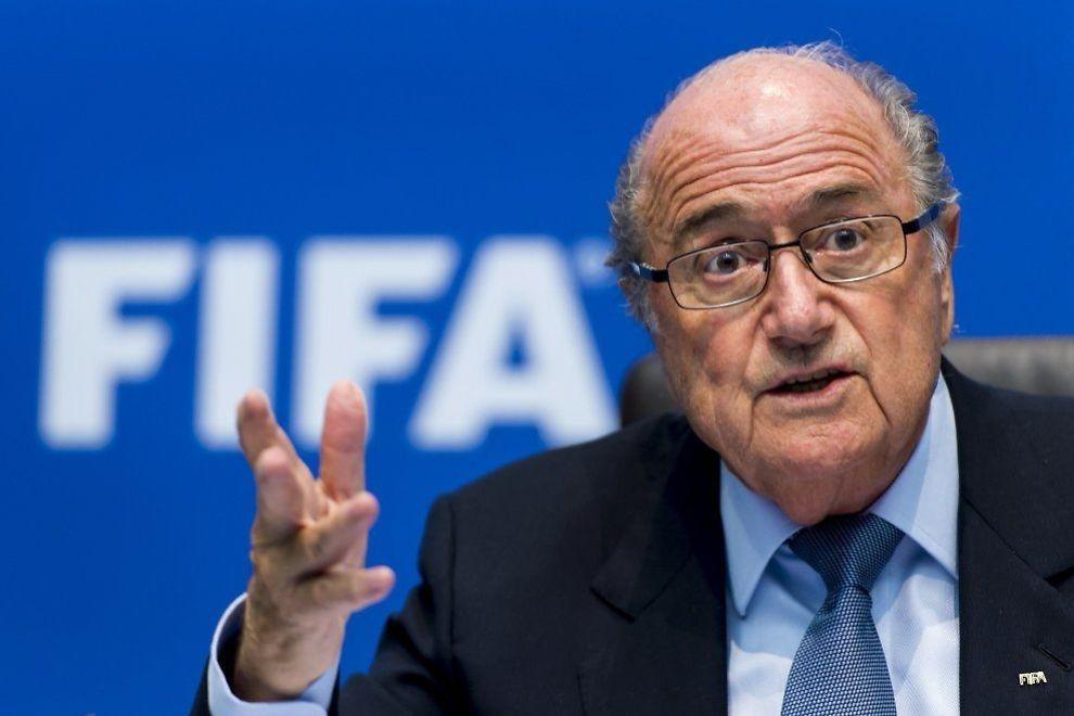 <p>BEDT OM Å TREKKE SEG: FIFA-president Sepp Blatter har ønsket gjenvalg neste år, men fikk kontant beskjed av europeiske fotballedere i Brasil i dag.<br/></p>
