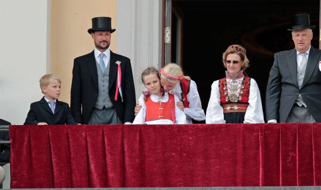 NYE SKOLER: Både prins Sverre Magnus og prinsesse Ingrid Aleksandra har gått ved Jansløkka skole i Asker. Til neste år begynner de på hver sine skoler.