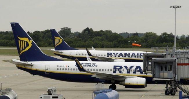 Mått På Handväska Ryanair : To ryanair fly kolliderte p? london flyplass vg