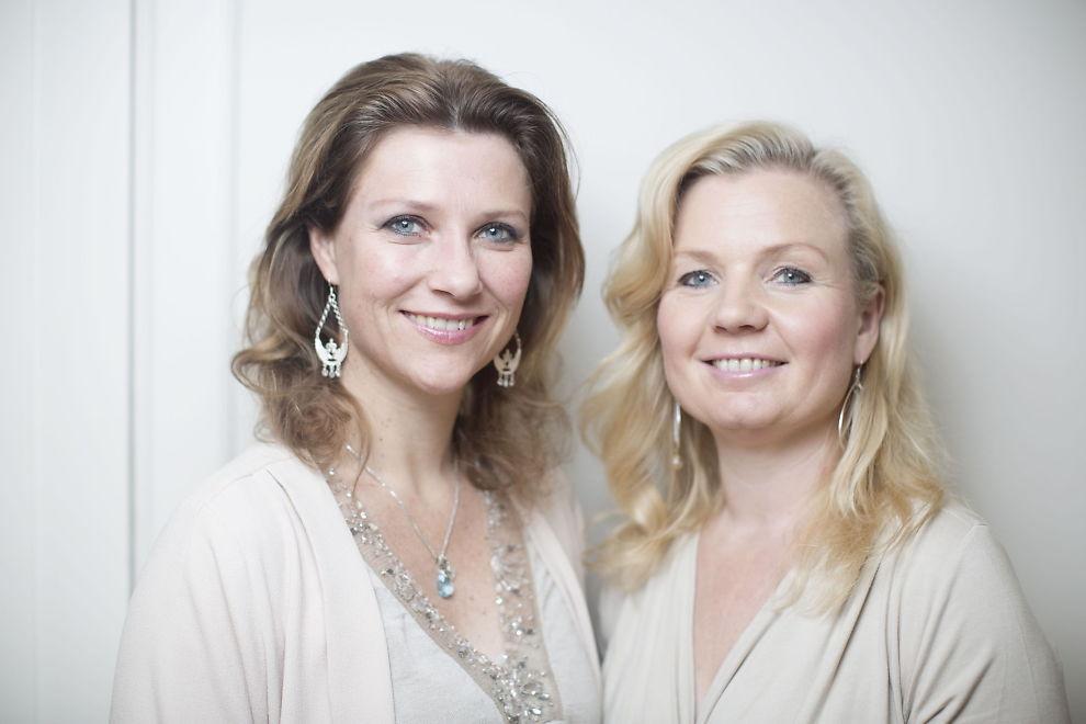 <p>GLEDER SEG: Prinsesse Märtha Louise og Elisabeth Nordeng ser frem til å jobbe med Lisa Williams. FOTO: KYRRE LIEN / VG<br/></p>