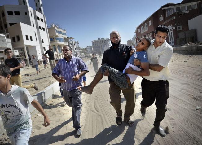 <p>SKADET: Fire unge gutter ble drept og flere såret under et israelsk bombeangrep ved stranden i Gaza By.<br/></p>