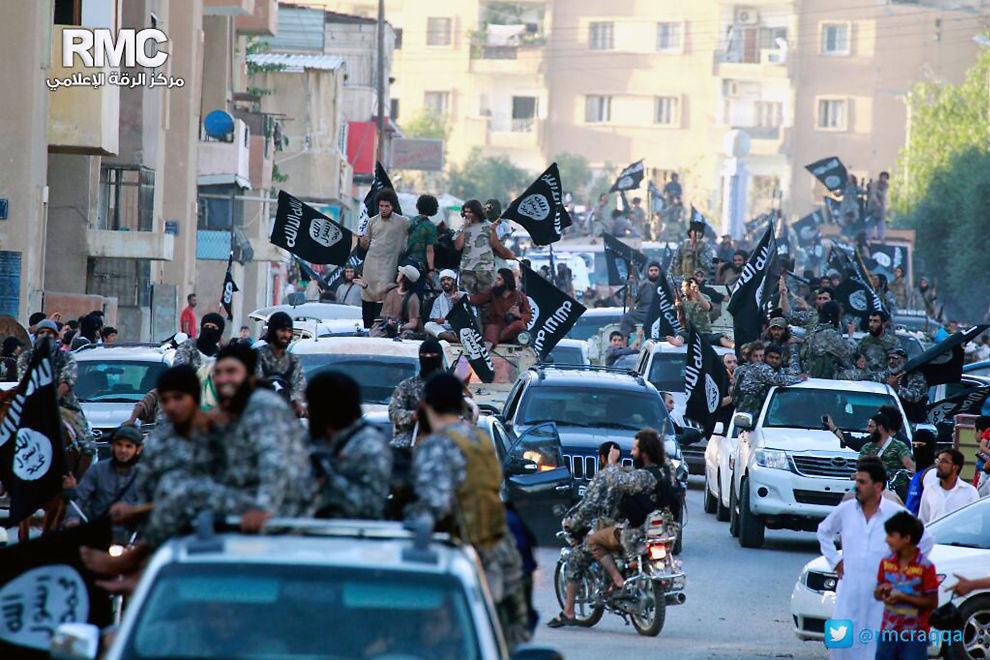 <p>VINNER FRAM: ISIL-soldater i den syriske byen Raqqa i slutten av juni. Flere norske ekstremister er blitt knyttet til ISIL.<br/></p>