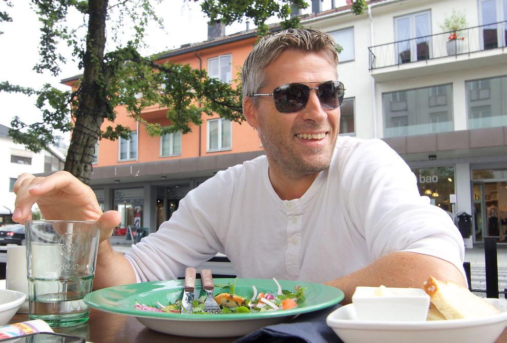 <p>UTE TIL LUNSJ: Tor Ole Skullerud har opplevd en eventyrlig suksess som Molde-trener etter at han overtok foran denne sesongen. – Jeg hadde aldri drømt om så gode resultater, sier 43-åringen.</p><p/>