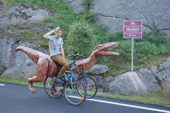 <p>RASK PÅ LABBEN: Markus Moestue trålet dalene rundt med sin nylagde dinosaur-sykkel.<br/></p>