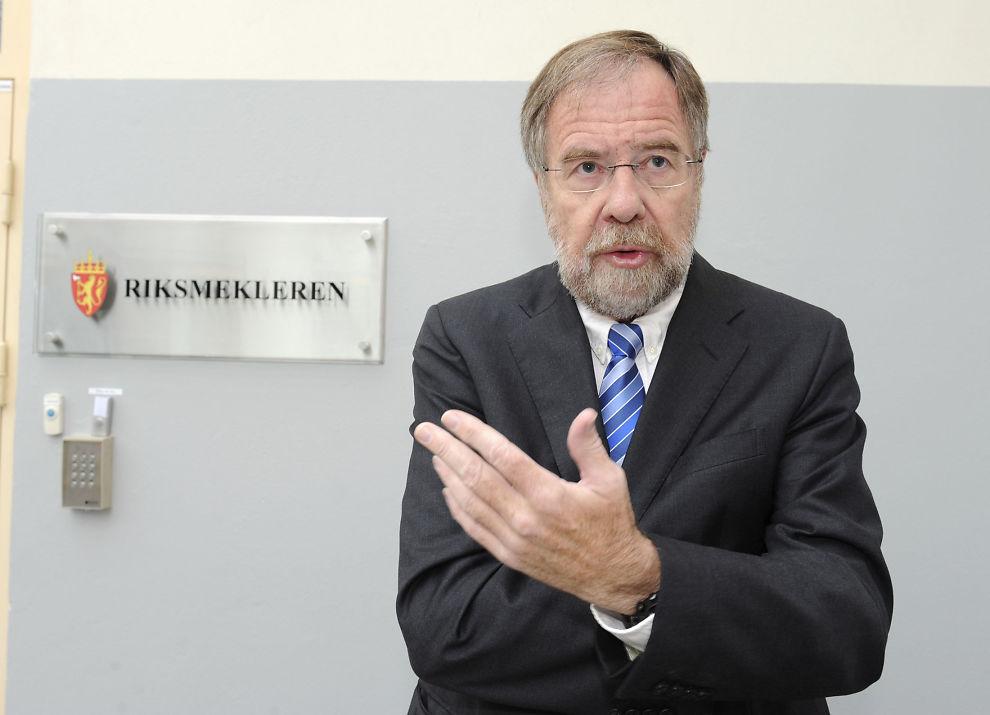 <p>SITTER I SAMTALER: Riksmekler Nils Dalseid var optimistisk før dagens møte med partene i lærerstreiken.<br/></p>