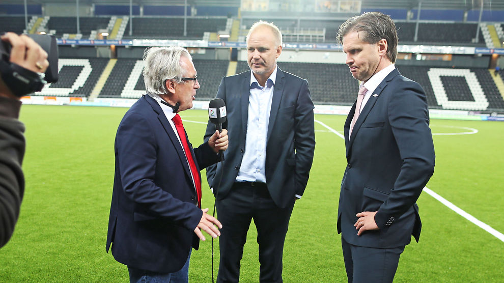 <p>ENGASJERT: Davy Wathne, som her intervjuer Brann-trener Rikhard Norling (til høyre) etter 3-1-kampen på Skagerak Arena, lot seg rive med da Odd snudde kampen. I midten Odds trener Dag-Eilev Fagermo.<br/></p>