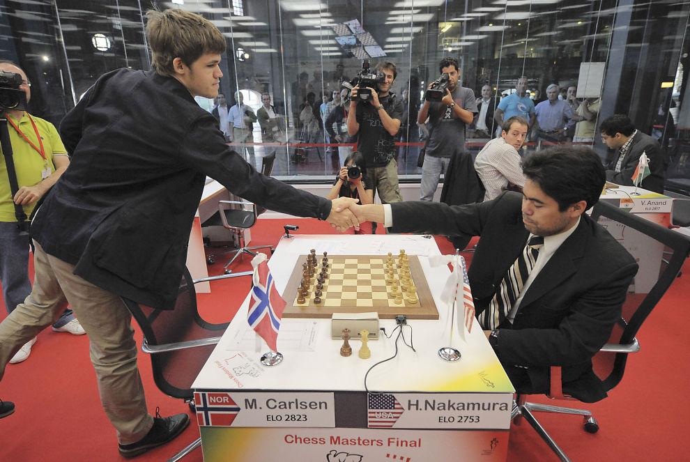 <p>KAMPHANER: Magnus Carlsen og Hikaru Nakumara har møttes mange ganger ved sjakkbrettet. Her er de sammen i Bilbao i 2011</p>