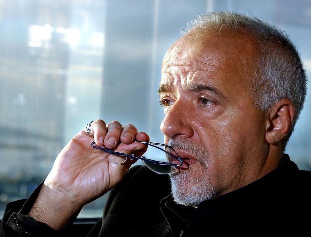<p>ERFAREN SKRIBENT: Paulo Coelho har gitt ut en rekke bøker siden debuten i 1974 - men det er ikke alle utgivelsene som blir tatt like godt i mot av anmelderne.<br/></p>