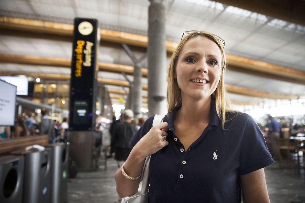 <p>KLAR FOR AVGANG: Transportkomiteens leder, Linda Hofstad Helleland, vil at blant annet Flytoget skal få konkurrere om å kjøre tog på strekninger landet rundt. I dag opererer Flytoget kun på strekningen mellom Drammen og hit, til Oslo Lufthavn på Gardermoen.</p>