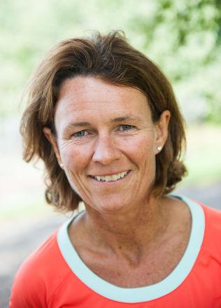 <p>VIL INSPIRERE: Helle Aanese, daglig leder og grunnlegger av stiftelsen Aktiv mot kreft, mener de ikke har fokusert på sex og kropp i sin nye kampanjevideo. Foto: Erik Berglund<br/></p>
