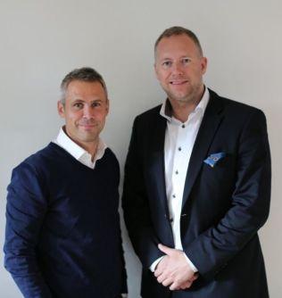 <p>FRA TV TIL TIPS: Morten Langli (til høyre) sammen med Unibet-manager Mads Jørgensen.<br/></p>