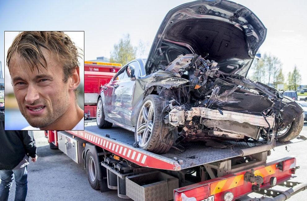 IKKE LENGER KJØRBAR: Petter Northugs Audi A7 ble her i mai fraktet vekk fra Falck hvor den hadde stått siden promillekjøringen. Bilen til 1,1 millioner kroner måtte Northug (innfeldt) erstatte i etterkant.