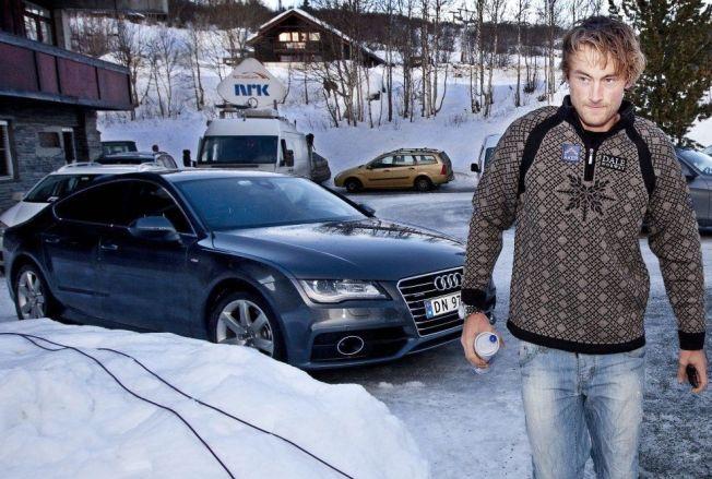BLE SPONSET: Petter Northug viste fram bilen da han møtte VG i november 2012.