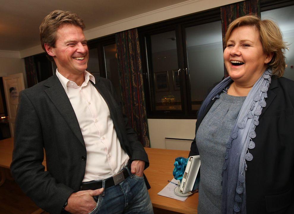 <p>GLAD: Tromsø-ordfører Jens Johan Hjort mener Høyres stortingsgruppe har tatt en klok beslutning. Her sammen med statsminister Erna Solberg, som nå har fått beskjed om å stoppe Oslos OL-planer.<br/></p>